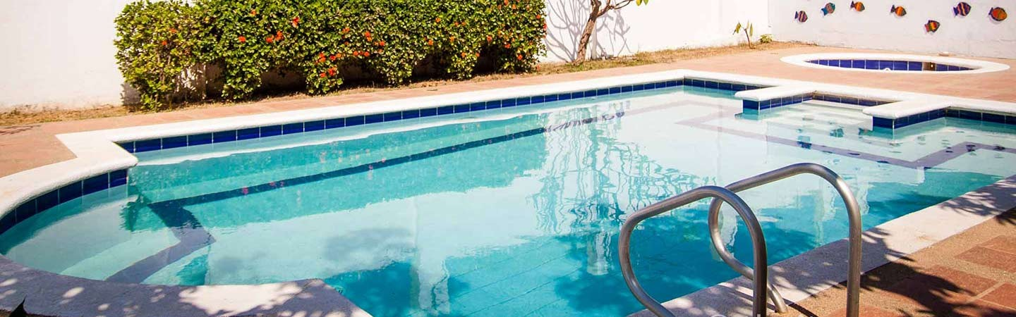 Swimming pool in accommodation La Provincia